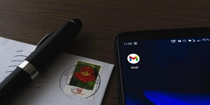 كيفية تعطيل محادثة Gmail عرض الكمبيوتر المحمول المميز