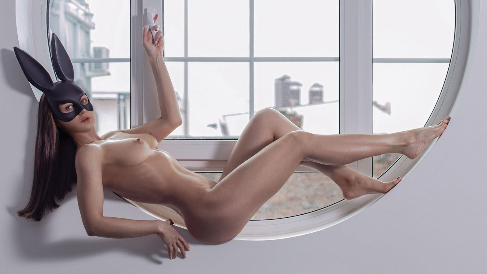 Wallpaper, sexy wallpaper, ragazze nude, wallpaper pc, maschera, ragazza nuda, tette piccole, finestra, capelli castani, capelli lunghi
