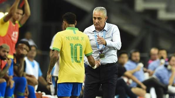 Injury Concern for Neymar As He Limps Nigeria friendly