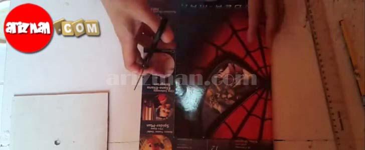 Gunting gambar cover majalah