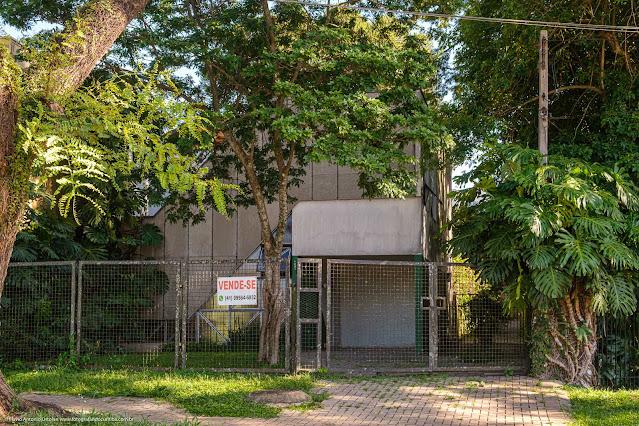 Casa moderna na Rua Fernando Amaro
