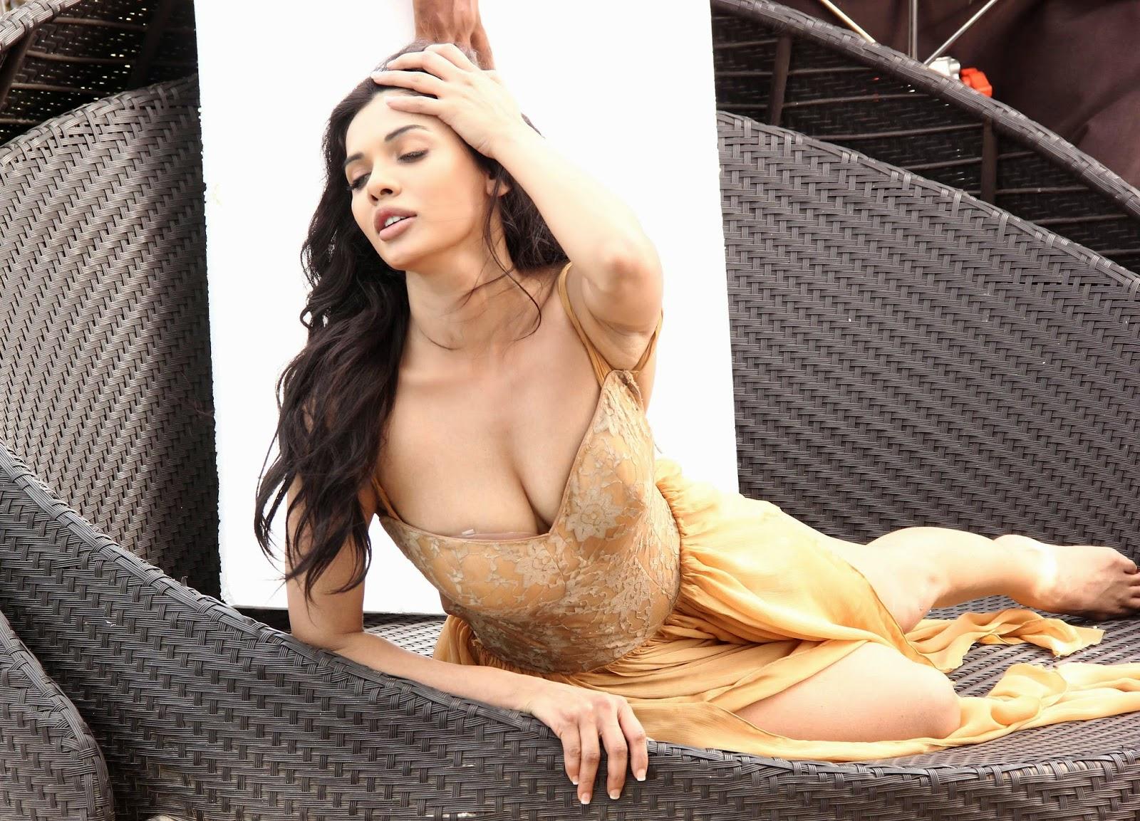 mona lisa pakistani actress naked - at 9:53 AM