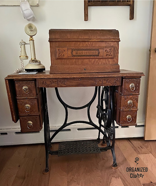 Photo of an antique Husvennen sewing machine