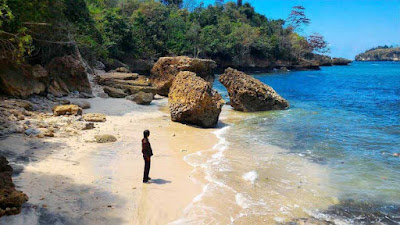 beach in tulungagung