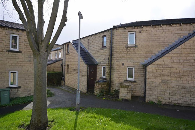 This Is Huddersfield - 1 bed flat for sale 21, Queen Elizabeth Gardens, Huddersfield HD1