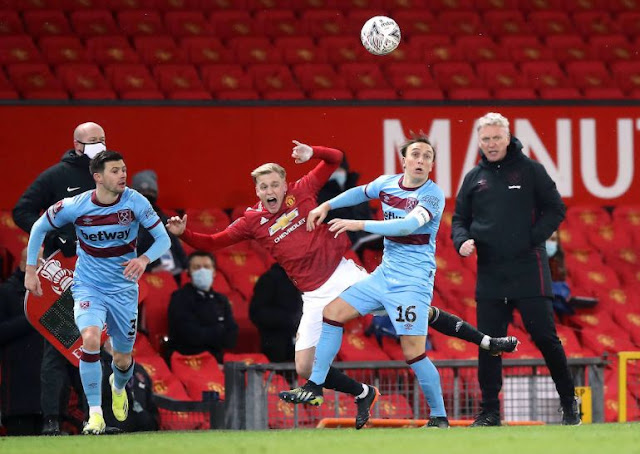 Manchester United midfielder Van Der Beek against West Ham