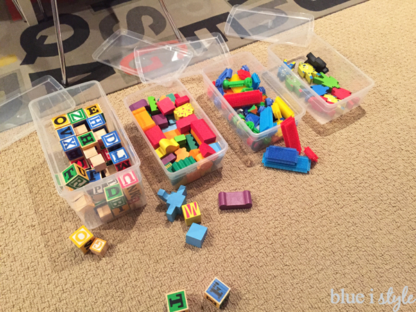 Organizing blocks in clear, lidded containers