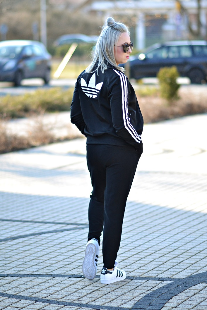Ania Adidas Black and White Oldschool   PolskieSzafiarki