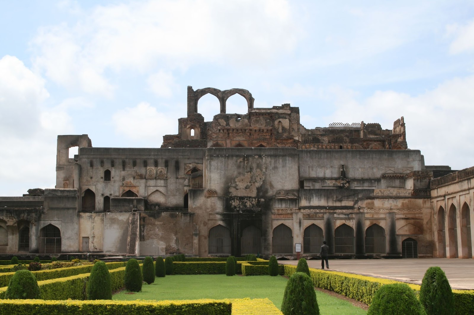40 Best Tourist Places to Visit in Hyderabad, (INDIA)