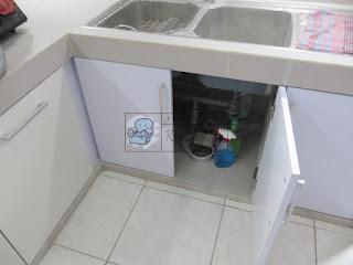 Kitchen Set Bentuk L Warna Krem Dan Putih