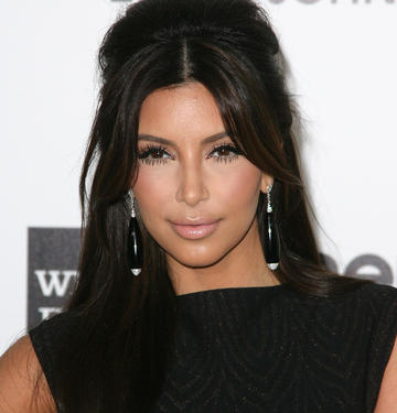 Health Tips Healthy Living Tips mental tricks And Tips, fitness tips kim kardashian Khloe Kardashian How Khloe Kardashian Is Helping Kim Weight Lose the Last of Her Baby Weight