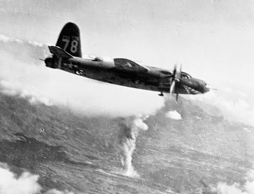 B-26 Marauder n. 78 attacca un deposito di munizioni sull'Italia