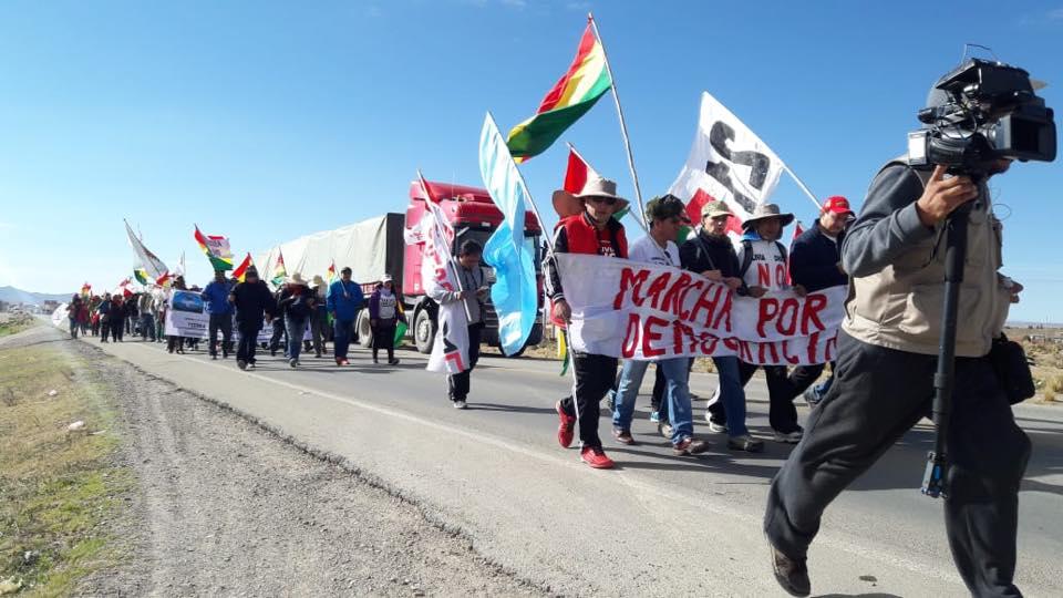 Marchistas del altiplano pasaron el Tolar en su cuarto día de caminata / FACEBOOK