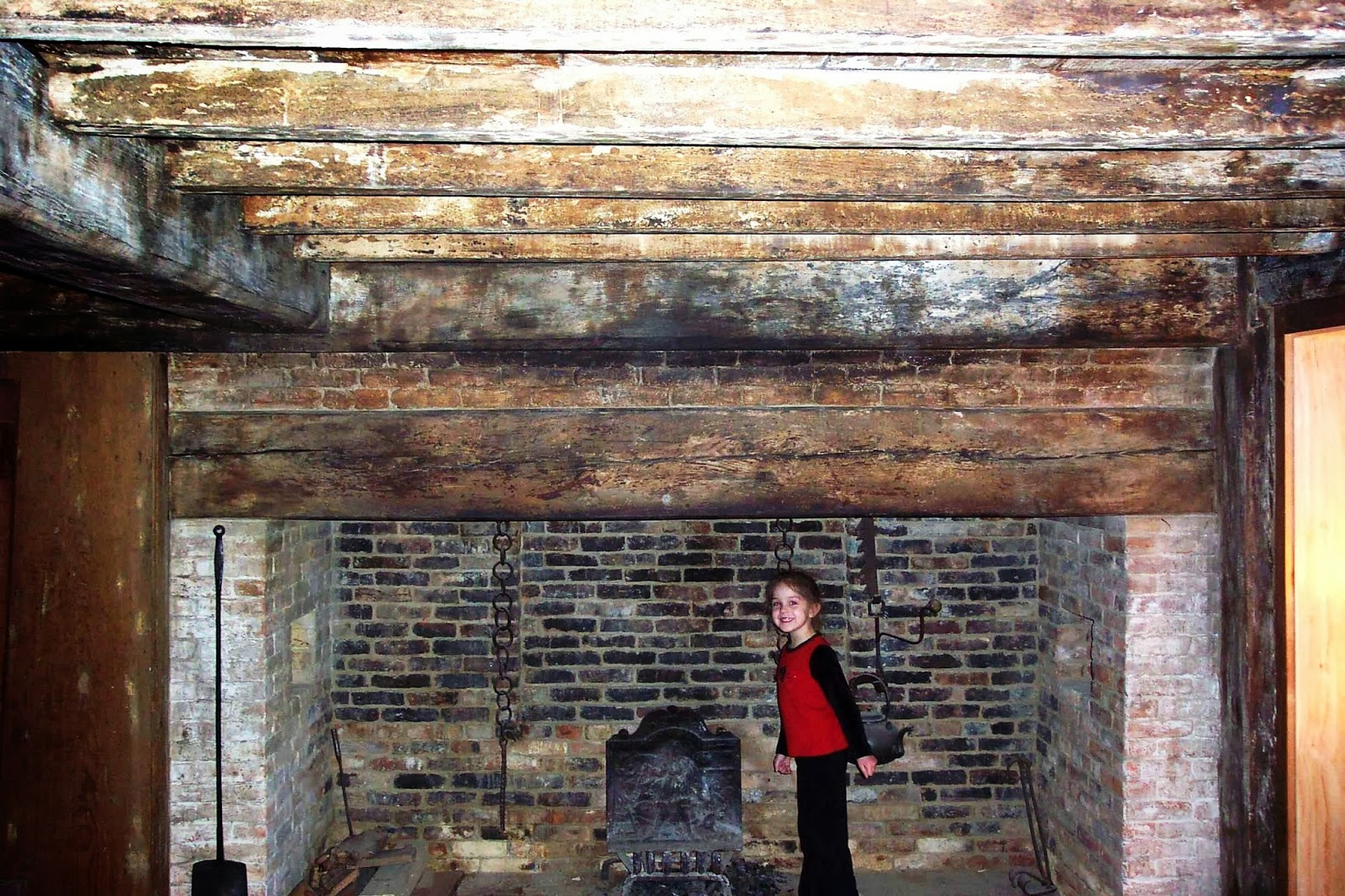 15 Photos And Inspiration Walk In Fireplace - Architecture ...