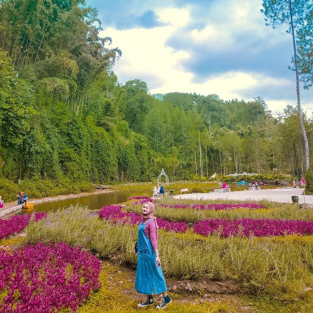 Taman Kemesraan Pujon Malang