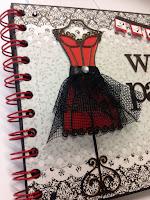 ozdobny manekin motyw wieczory panieńskie papier damask swirl the cinch bindownica