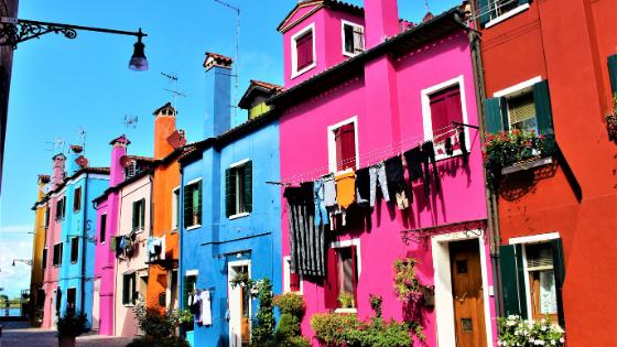 Lokasi rumah  amat sangat mempengaruhi biaya renovasi rumah.