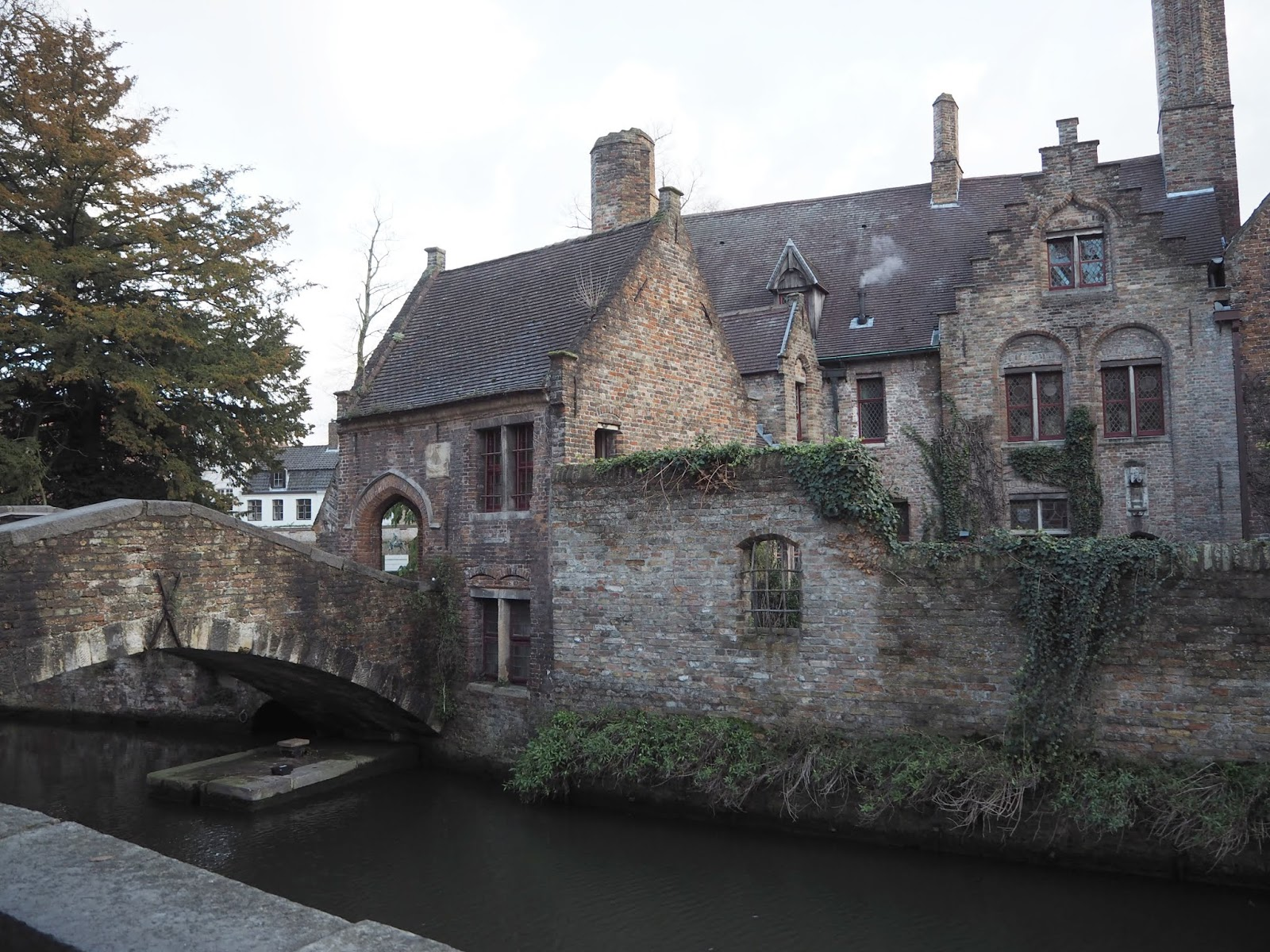 bonifacius bridge in bruges