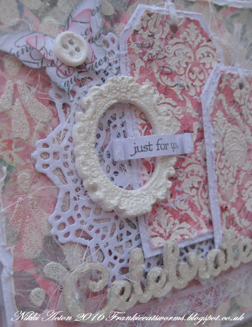 Addicted to Art - Tim Holtz Doily Thinlits Die