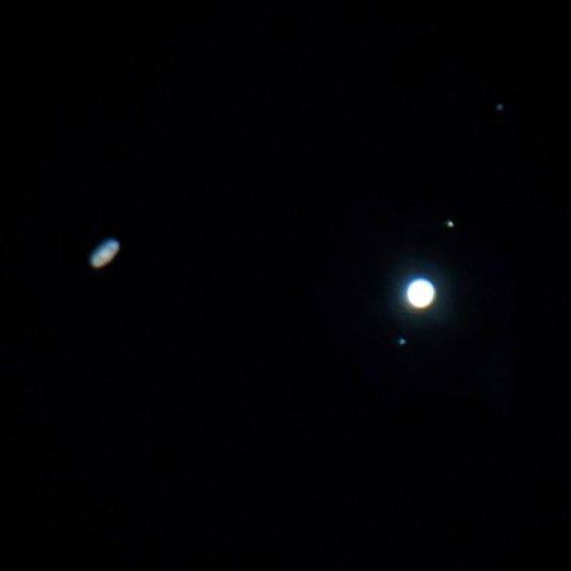 Cuộc hội ngộ cực hiếm giữa sao Thổ và sao Mộc