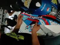Tutorial Lengkap Cara Memasang Stiker Motor Full Body Mudah dan Praktis