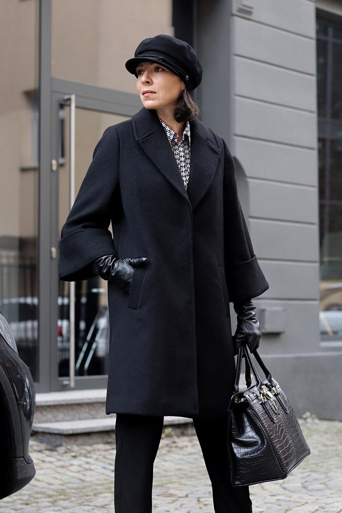 czarny płaszcz stylizacje