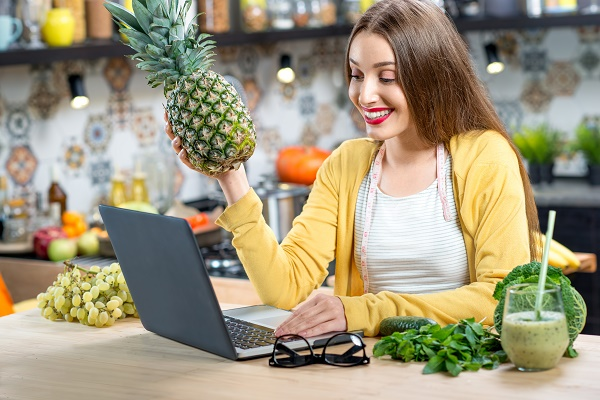 Choose the Fresh and Organic Fruits and Vegetables in Online to Live Healthier Life