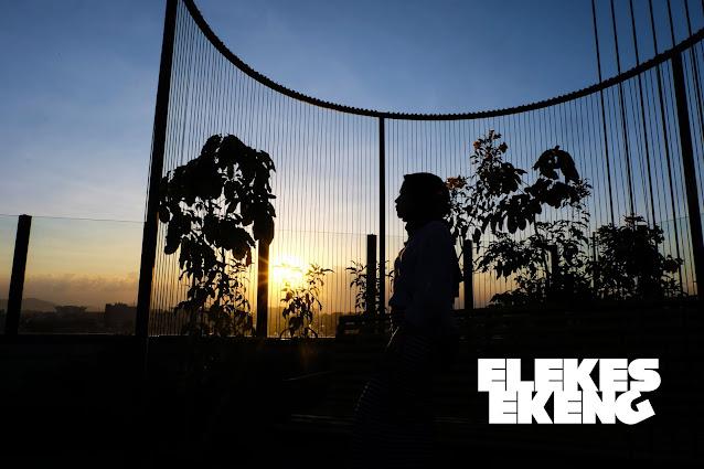Pemandangan Matahari Terbenam dari Gazebo Rooftop Zest Bandung