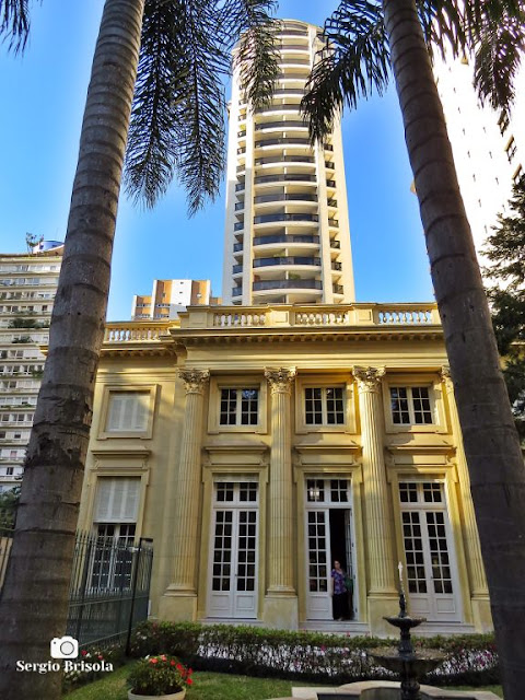 Vista das fachadas do Edifício Maria Antonieta e do Palacete Higienópolis - Higienópolis - São Paulo