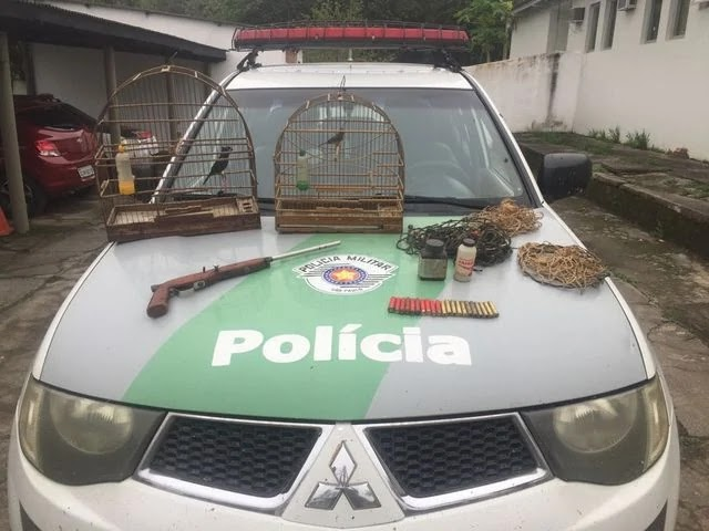 Policia Ambiental Flagra apreende arma de fogo e materiais para caça em Pariquera-Açu