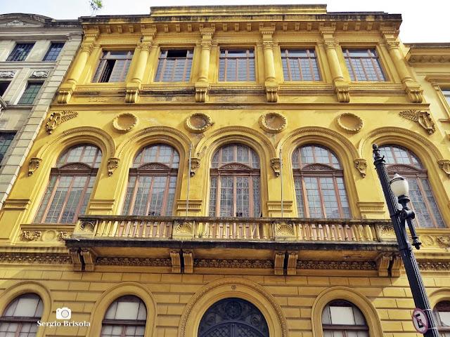 Vista da fachada da Antiga Sede da Policlínica de São Paulo - Rua Roberto Simonsen - Centro - São Paulo