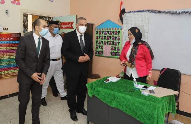 محافظ سوهاج يتفقد لجان الإعادة بانتخابات الشيوخ ويناشد المواطنين بالمشاركة