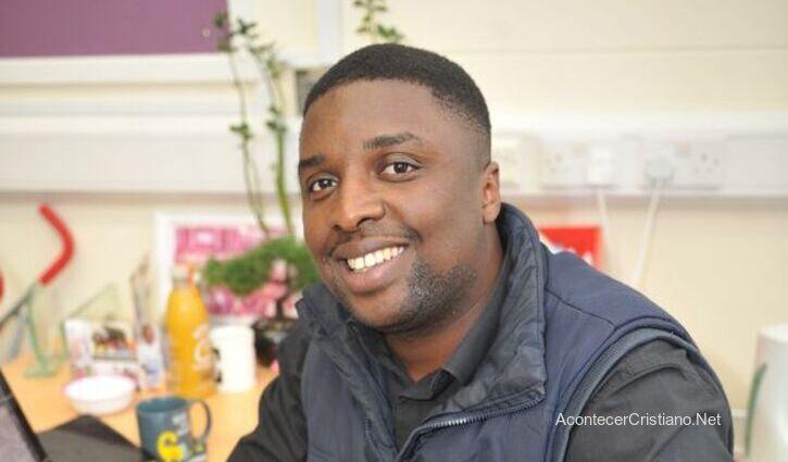Pastor Mo Timbo, ex pandillero