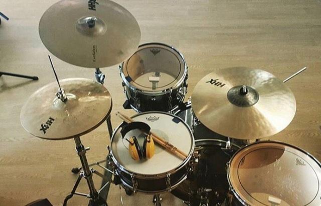 Cara Cepat Belajar Drum Dengan Mudah Agar Anda Menjadi Drummer Handal Coba Lakukan Tips Berikut ini