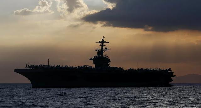 Revelado rápido aumento de casos da COVID-19 a bordo de porta-aviões dos EUA