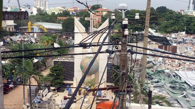 Vườn rau Lộc Hưng bị CSVN cướp phá tan hoang