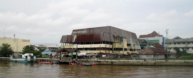 Pasar Tengah. Bangunan bersejarah Pontianak