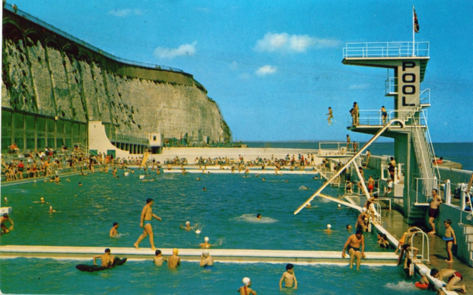 Thanetonline In At The Deep End Ramsgate Marina Bathing Pool Pictures And Some Thoughts