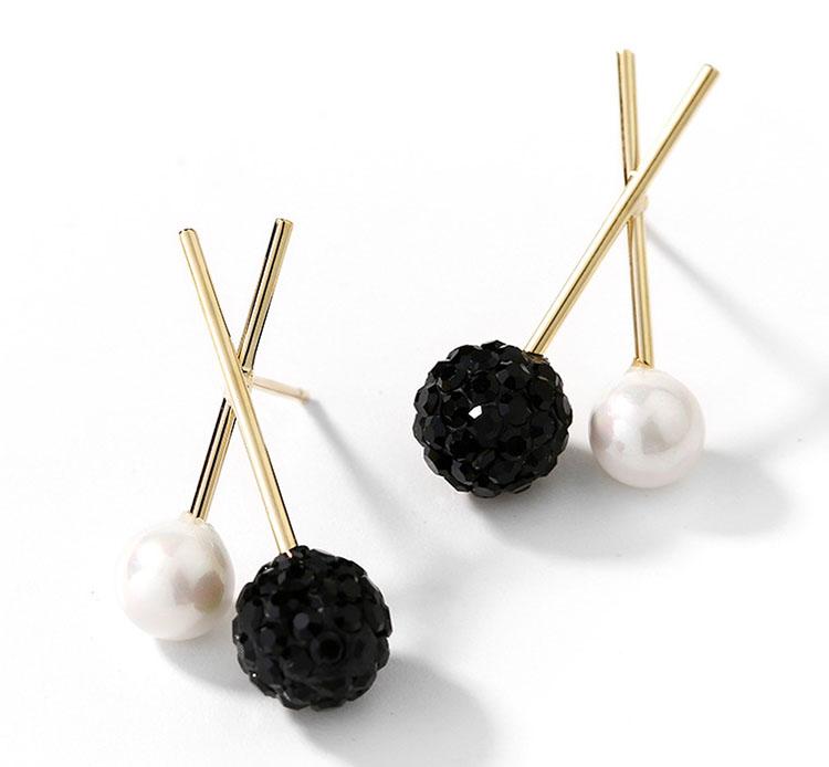 造型風香巴拉擬珍珠雙色耳環