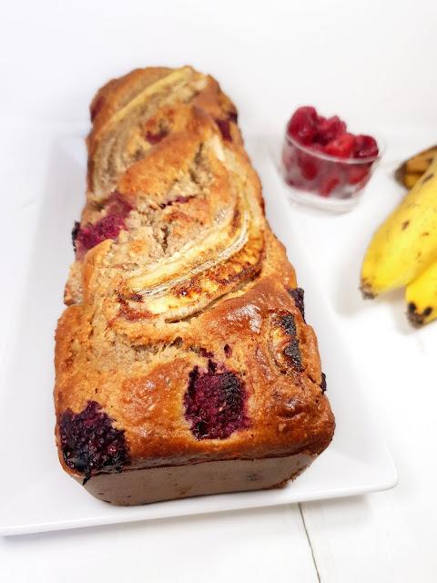 BANANA BREAD HEALTHY FRAMBOISES à la farine complète et poudre d'amandes