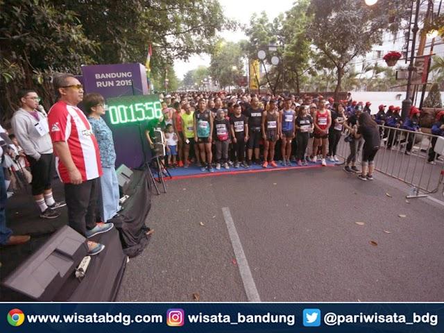 Ribuan Peserta Bandung Run 2019 Jelajahi Rute Bersejarah di Kota Kembang