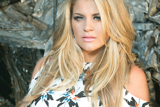 Video: Lauren Alaina - Road Less Traveled