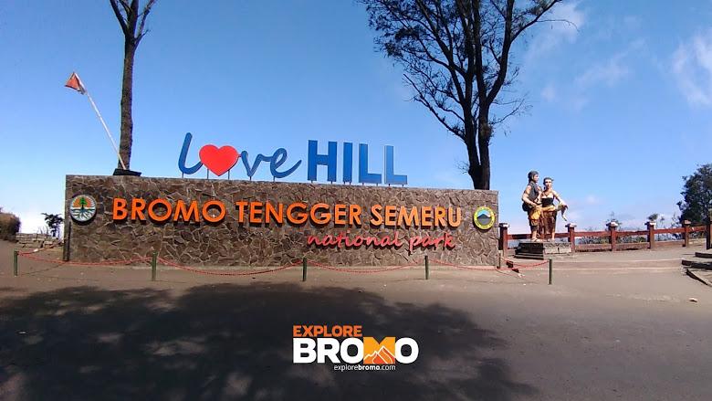 bukit cinta, love hill atau puncak pananjakan 3 bromo