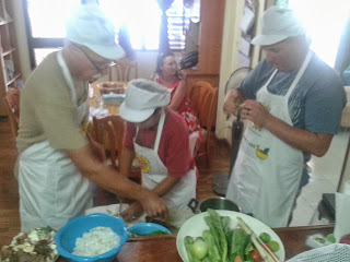 Private Thai food cooking classes - Men at work