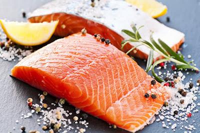 أغذية لتقوية النظر  Fatty-fish