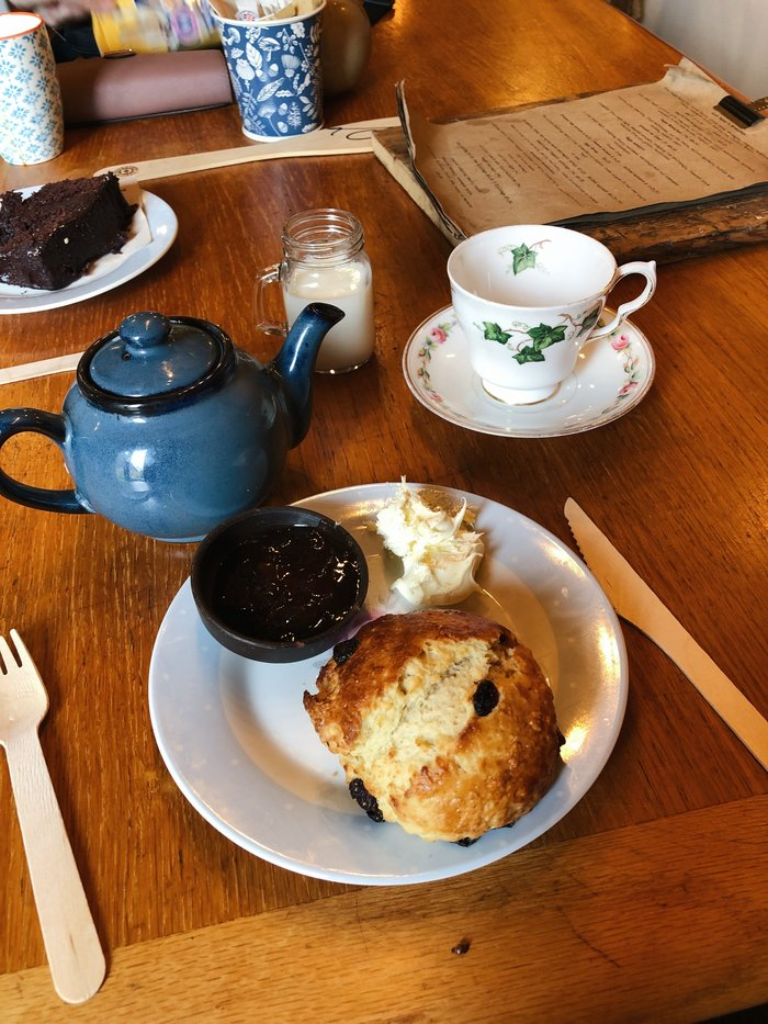 Finding the best cream tea on the south coast. A review of Aunt Fanny's cafe in Wimborne.