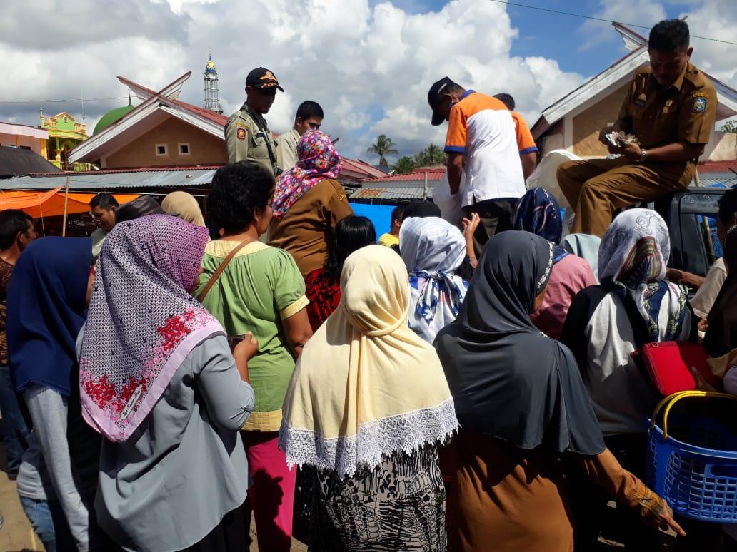 Pasar Murah Pemda Soppeng Bersama Kansilog diSerbu Warga