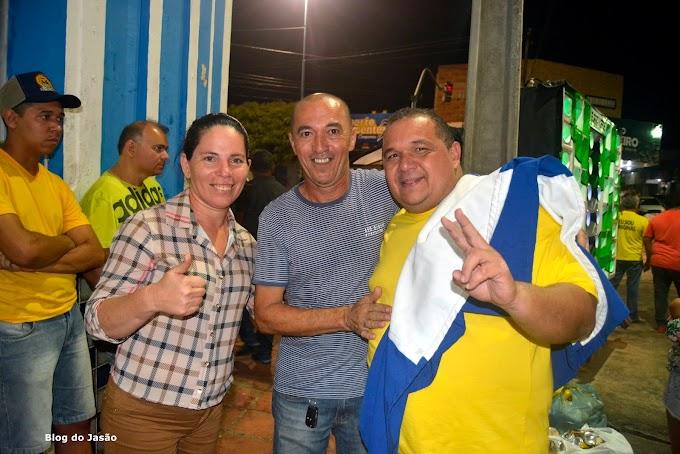 Ao lado dos amigos Vereadora Irani Antunes participa da festa da vitória do prefeito Manoel Bernardo pelas ruas de João Câmara.