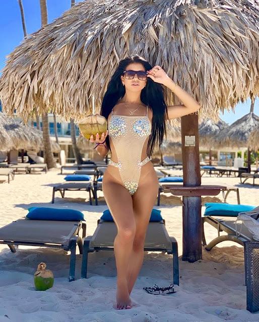 Veronica Rodriguez Hot & Sexy Pics