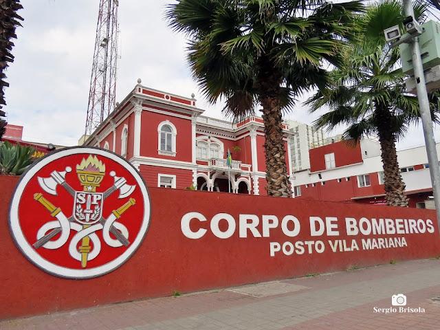 Fotocomposição com o Posto de Bombeiros Vila Mariana e o Palacete do Centro de Memória do Corpo de Bombeiros de São Paulo - Vila Mariana